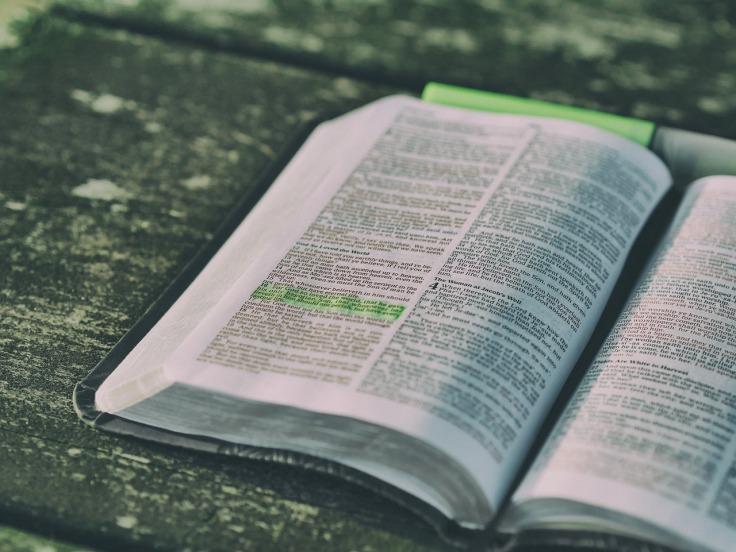 bible-1868359_1280